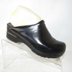 Sanita Size 6.5 M Black Leather Clogs Women C3B D5
